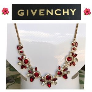 ❤️ Givenchy Crystal statement necklace ❤️